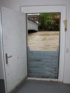 Hochwasserschutz an der Tür